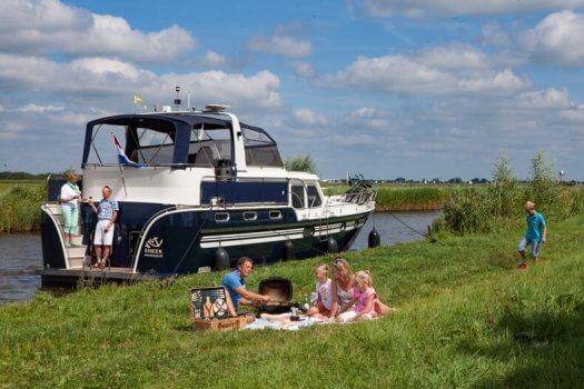 01 fotografie kruizer varen gezin huren barbeque veldman yacht charters 01 525x350