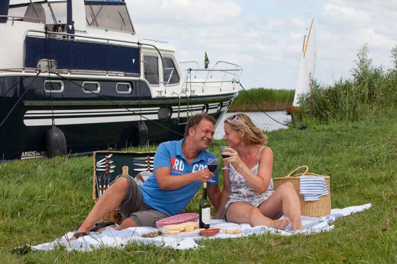 Heerlijk ontspannen op samen vakantie met de boot, ook hier weer eerst de beleving dan het onderwerp.