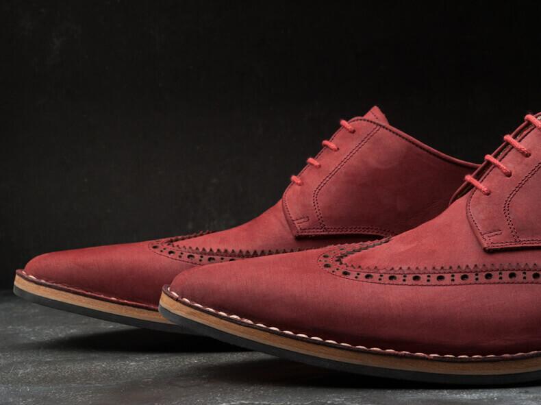 Foto van de Broques schoenen met verlengde punt.