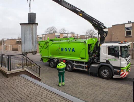 10 fotografie vuilniswagen huisvuil kraanbediening geesinknorba 4255 525x401