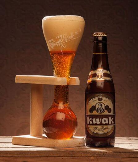 24 fotografie bier speciaal kwak dewalrus 96 447x525
