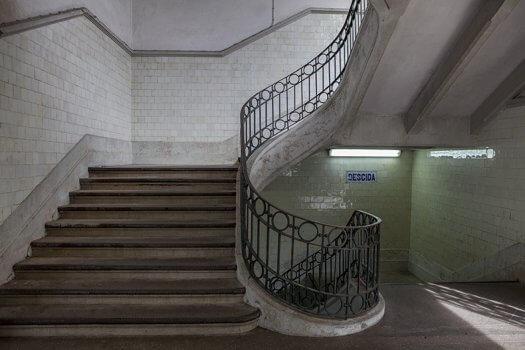 01u trap porto groen uitgang oud fotografie 525x350