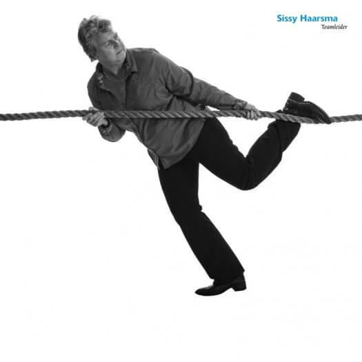 17 touwtrekken miedema accountant portretfotografie zwart wit Sissy 213 1 zw02 525x525
