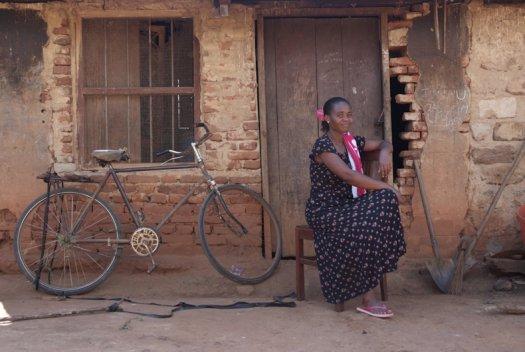 21 Tanzania portretten boerinnen farmfriends fotografie DSF4543 525x352