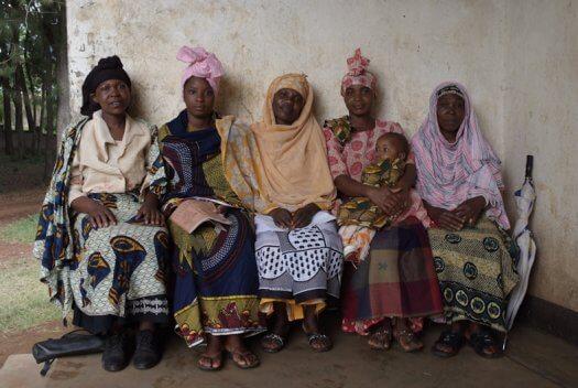 40 Tanzania portretten boerinnen farmfriends fotografie DSF5121 525x352