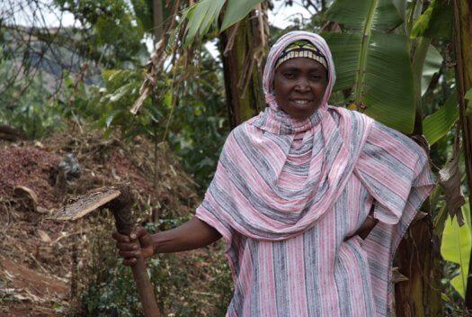 46 Tanzania portretten boerinnen farmfriends fotografie DSF5382 525x352