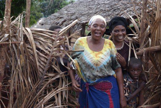 61 Tanzania portretten boerinnen farmfriends fotografie DSF6173 525x352