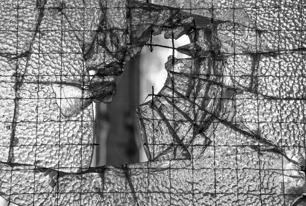 Glas-draadglas-urbex-kapot_1288