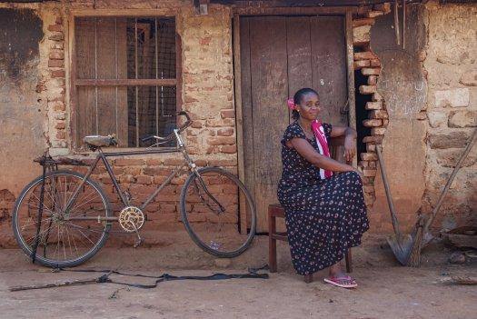 17 01 boerin trotsevrouw Violet Cheti Muheza Tanzania 4543 525x351