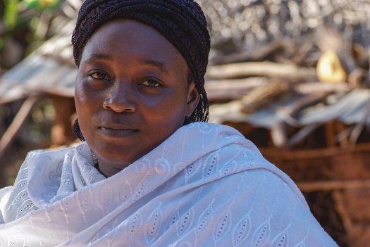 29 01 boerin trotsevrouw Zidina Rwiza Pangani Tanzania 5602 525x351